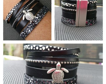 "Cuff black leather, ""Crush"" collection"