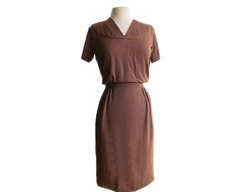 Vintage 60s brown wiggle dress/ 1960s chocolate brown dress/ mod dress/ slub rayon/ short sleeves day dress/ office dress