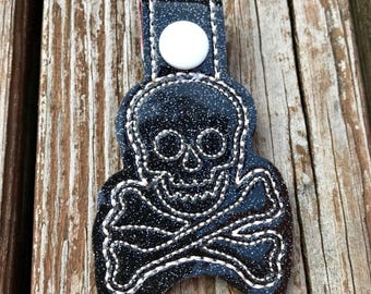 Horror keychain, handbag charm, Skull keychain, skull and crossbones keychain, halloween gift, key clip, keyrings, embroidered keychain
