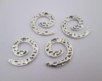 4 breloque spirale martelée en métal argenté 23 x 21 mm