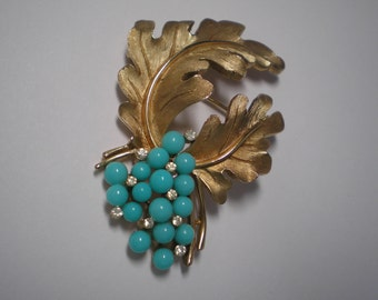 TRIFARI  Goldtone LEaves and Faux Turquoise Berries   Item No: 16494