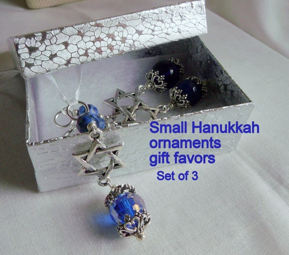 Jewish ornament gift set -  party favors - star of David charm -  ribbon /clasp /set of 3 - memento -  Judaic decor zipper pull -  blue gift