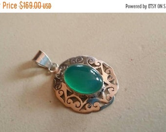 SUMMER FLASH SALE 75% Off Green Onyx Pendant Gemstones  . 925 Sterling Silver