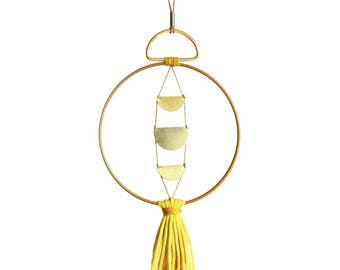 WALLHANGING LOOP • Brass & Yellow • Mobile Messing