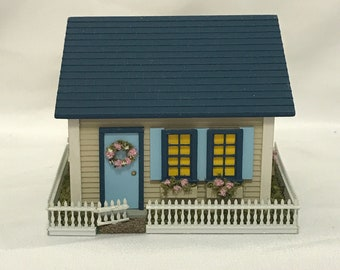 Dollhouse Miniature 1/144th Scale House