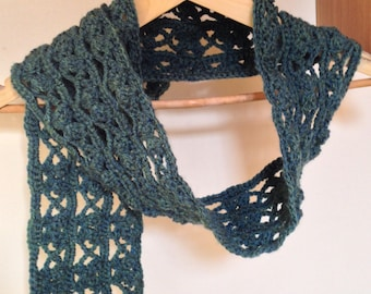 Ladies Green Butterfly Lace Crocheted Scarf