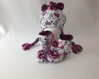 Baby Set : Pink Zebra Fabric Baby Booties and Earflap Hat!!!!
