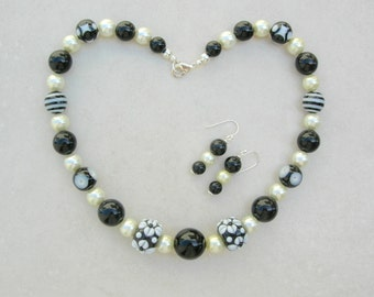 SALE - 50% off, Lampwork Glass Black & White Beads, Vintage Lucite Beads, Faux Pearls, Optional Bracelet, Necklace Set by SandraDesigns