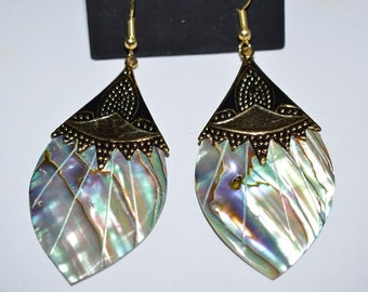 Beautiful Vintage Abalone shell, Antique Silver, Egyptian style  Earrings (1017351)