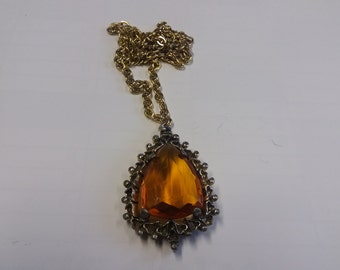 Vintage Kitsch Baltic Amber Style Necklace - 70s 80s Hygge Nordic Piece - Unusual