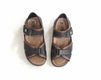 Mens Size 9 Mephisto Air Relax Shark Sport Sandals Dark Brown Black Leather Velcro Comfortable Walking Shoes Classic Hipster 90s Style Shoe