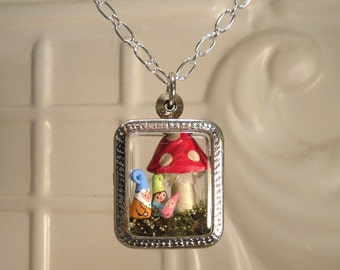Terrarium Gnome Family Mom Dad and Baby Pendant Personalized Custom Order terrarium necklace Family Garden Gnome Baby Gnome Amanita Mushroom