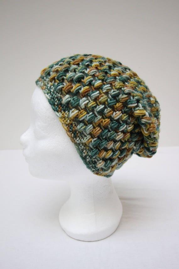 Grün-braune Merinowollen häkeln Mütze mit strukturierten