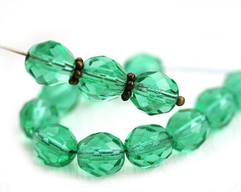 8mm Transparent green Czech glass beads Round green fire polished faceted beads - 15Pc - 0497