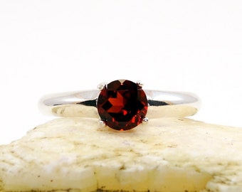Garnet ring, garnet ring sterling silver, round genuine garnet ring, ring garnet, silver ring 7 mm, ring size 7