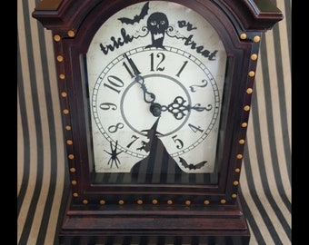 Trick or Treat Halloween Zombie Witch Bat Mantle Clock
