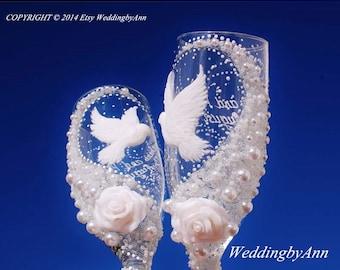 White Doves Wedding glasses, Wedding Toast Flutes, Bride And Groom, Personalized Toasting Flutest, Bridal Shower gift, Wedding gift