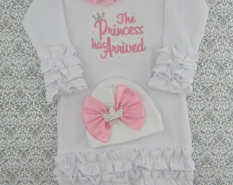 Newborn, baby girl clothes, baby girl outfit, Baby girl coming home outfit, baby girl take home outfit, The Princess Has Arrived, baby gown