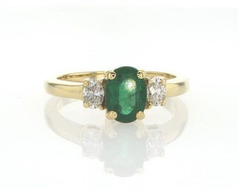 Vintage emerald ring, 3 stone ring, vintage style ring, antique ring, vintage engagement ring, emerald diamond ring, oval emerald ring