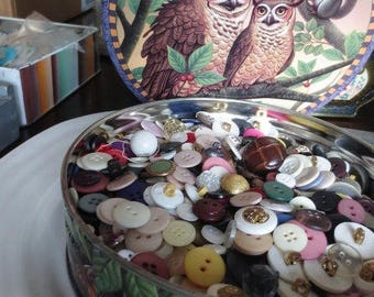 Huge Button Lot Vintage Assortment in Owl Storage Tin 800 pc Variety Destash