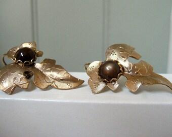 Vintage Earrings Clip on Gold Tone Leaf Scroll Simulated Tigers Eye Earthy