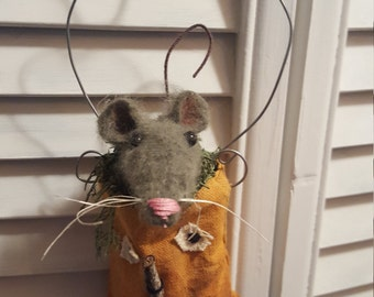 hanging pumpkin and his friend mouse