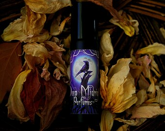 PARTING GLASS Perfume Oil - The Walking Dead inspired - Ripe peaches, soft fruit wine, cucumber, sweet melon, woody sandalwood - Beth Greene