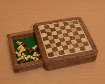 Traveling Magnetic Chess Set 5 x 5 inches with Drawer for pieces India. SKU: M0005