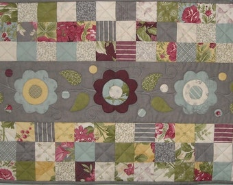 Field of Flowers Table Runner PDF Pattern