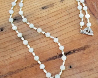 """24"""" Serpentine Jade Beaded Necklace with an Agate Pendant"""