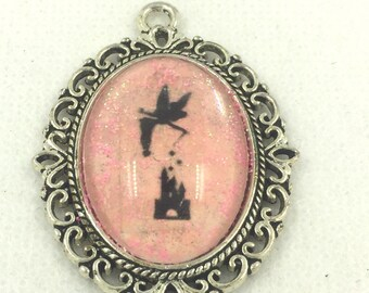 Antique silver pendant with trillion image