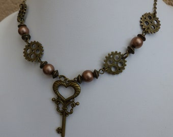 """The steampunk key"" necklace"