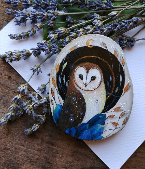 Owl painting with blue crystals, animal spirit, original art, painting on wood, wooden slice, gift idea