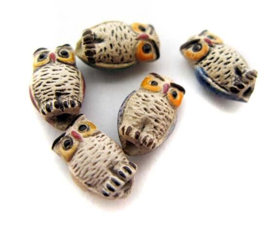 20 Ceramic beads - Tiny mixed Owl - CB66