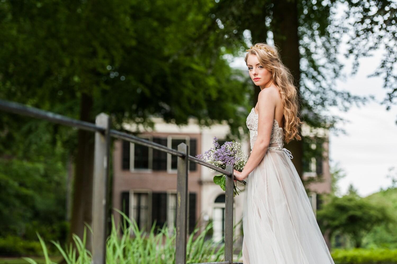 Zweiteiliges Brautkleid. Tüllrock Hochzeitskleid. Spitze und