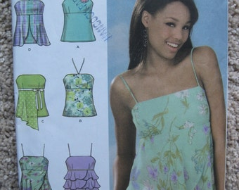 UNCUT Misses Tops - Size 4, 6, 8, 10 - Simplicity Sewing Pattern 4587