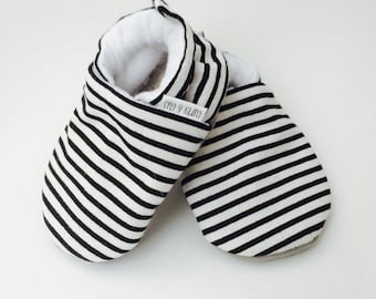 Striped Baby Shoes, Monochrome Baby Shoes, Soft Sole Baby Shoes, Baby Slippers, Baby Moccasins, Baby Booties, Crib Shoes, Black,White, Moccs