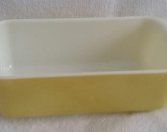 """Pyrex Baking dish Lemon Yellow 10"""" x 5"""" Rectangular"""