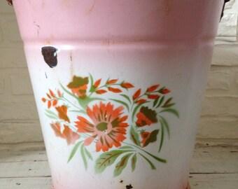 Vintage Pink Enamelware Pail - Shabby Chic - Paris Apt - Chippy - Rusty
