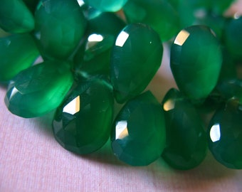 Shop Sale.. 6 12 24 pcs, GREEN ONYX Beads Pear Briolettes, Chalcedony, Luxe AAA, 10-12 mm, Emerald Kelly Green, Large, wholesale, may 1012