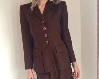 vintage 1940s brown suit/ 40s chocolate brown womens suit / film noir spy detective wartime professor back to school GRETA