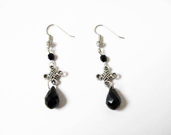 boucles d'oreilles noeud celtique, perles  et gouttes en cristal noir