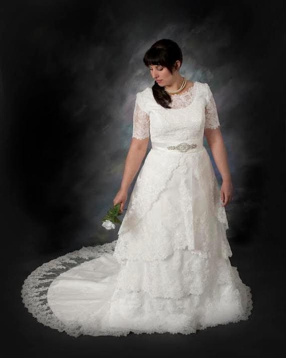 Modest Brautkleid mit Round Jewel Ausschnitt Vintage Lace