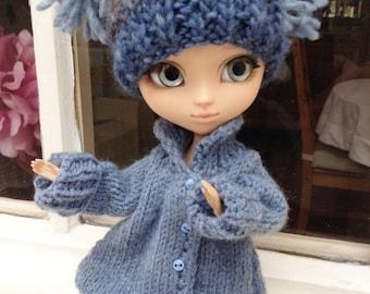 NEW PRICE - Winter coat tea pink wool for Blythe, Pullip dolls, Momoko, Barbie and similar formats of dolls
