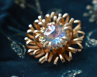 Sarah Coventry vintage brooch