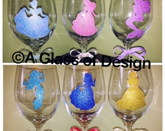 Glittered Princess glasses,Disney wedding, wine glasses, princess wine glass, wine Christmas gifts, elsa wine glass, princesses, wine