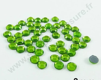 Rhinestone Thermo - Apple green - 3mm - x 150pcs