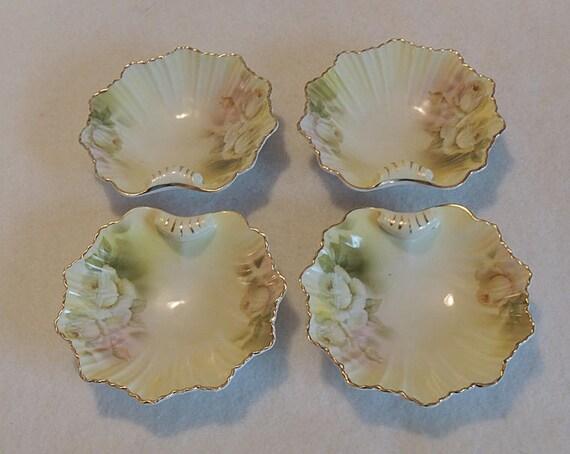 4 Vintage Royal Rudolstadt Prussia Berry / Trinket Porcelain Shell Shaped Dishes