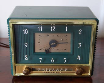 1950's tube radio with clock, home decor, tube radio, vacuum tube, radio, Model 543M