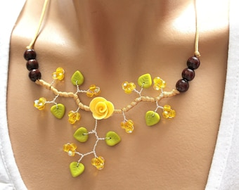 Yellow necklace cold porcelain flower and satin gold/gold